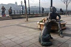 Kutyás lány-szobor, Budapest / Девочка с собакой. Будапешт.