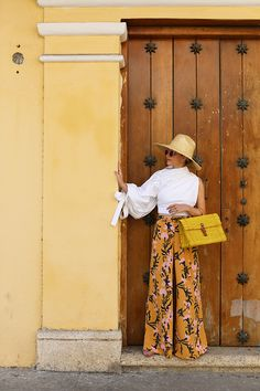 Atlantic Pacific Printed Pants in Cartagena // All about straw on the blog click through to shop! #cartagena #springbreak