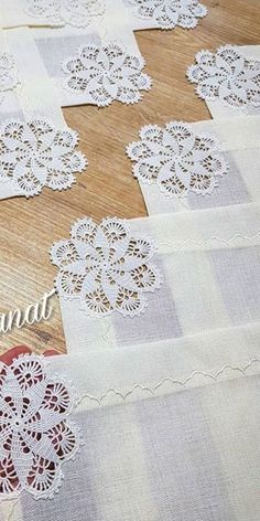Filet Crochet, Crochet Motif, Diy Crochet, Crochet Doilies, Crochet Flowers, Crochet Patterns, Creative Crafts, Diy And Crafts, Mosaic Vase