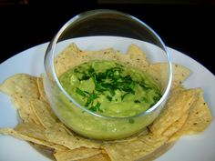 This creamy green El Pollo Loco Avocado Salsa sauce is available at the salsa bar at each of the 389 El Pollo Loco outlets located throughout the western United States, and folks are going crazy over it! El Pollo Loco Avocado Salsa Recipe, Avacado Salsa, Ripe Avocado, Pollo Salsa, Guacamole Salsa, Salsa Verde, Mexican Food Recipes, Healthy Recipes, Ethnic Recipes