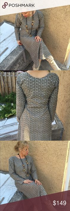 Vintage  embroidered dress Vintage sheer Aline double slits embroidered dress Vintage Dresses