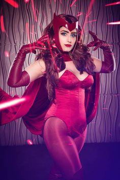 Jessica LG Scarlet Witch cosplay