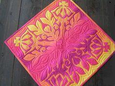 新作ハワイアンクイーンタペストリー完成しました~! の画像|Hawaiian Quilt Garden