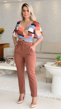 Pantalon de femmes l en 2019 fashion, womens fashion et fash Classy Outfits, Trendy Outfits, Cute Outfits, Business Outfits, Office Outfits, Fashion Pants, Fashion Outfits, Womens Fashion, Fall Fashion