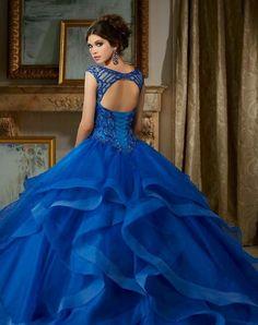 Hermoso vestido de quinceañera color azul rey