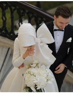Ideas for wedding couple muslim bride groom Hijabi Wedding, Muslimah Wedding Dress, Muslim Wedding Dresses, Muslim Brides, Wedding Attire, Muslim Women, Dress Wedding, Hijab Mode, Simple Wedding Dress With Sleeves