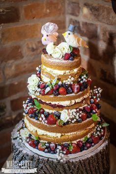Wedding Cake Recipes A real wedding at the Hundred House Hotel with Marie Lloyd Photography - Bolos Naked Cake, Naked Cakes, Wedding Cake Designs, Wedding Cakes, Diy Wedding, Wedding Blog, Bolo Nacked, Bolo Red Velvet, Velvet Cake
