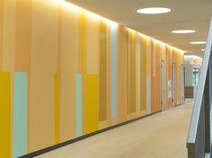 Rems-Murr-Klinikum, Magistrale Die Farbwand von Burghard Müller-Dannhausen Divider, School, Room, Furniture, Home Decor, Pavilion, Architecture, Bedroom, Decoration Home