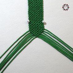 DSCF4470 Macrame Bracelet Diy, Macrame Bracelet Patterns, Bracelet Crafts, Macrame Patterns, Macrame Jewelry, Card Weaving, Diy Friendship Bracelets Patterns, Micro Macrame, Bracelet Tutorial