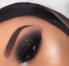50 Hottest Smoke Eye Makeup Tutorials Ideas - Make up - Smoke Eye Makeup, Makeup Eye Looks, Beautiful Eye Makeup, Cute Makeup, Eyeshadow Makeup, Eyeliner, Beauty Makeup, Black Smokey Eye Makeup, Makeup Brushes