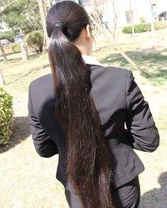 KOLEKSI RAMBUT PANJANG.さんのInstagram写真・2016年8月30日 4:07 Long Silky Hair, Silky Smooth Hair, Long Black Hair, Super Long Hair, Long Hair Ponytail, Long Ponytails, Ponytail Ideas, All Hairstyles, Straight Hairstyles