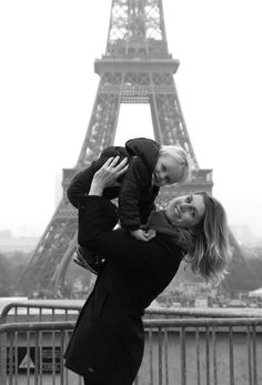 Me & Guus in Paris! Tower Bridge, Paris, Couple Photos, Baby, Travel, Couple Pics, Montmartre Paris, Trips, Traveling