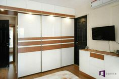 Pooja Room Door Design, Bedroom Door Design, Ceiling Design Living Room, Bedroom Cupboard Designs, Bedroom False Ceiling Design, Bedroom Furniture Design, Modern Bedroom Design, Wardrobe Interior Design, Wardrobe Design Bedroom