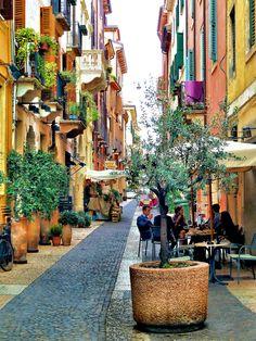 Vamos a visitar Verona y los lugares de la última tragedia romántica: Romeo y Julieta de William Shakespeare. Veneto