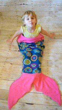 Anna Banana Mermaid Tail Blanket PDF Pattern by annabananapatterns