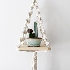 These wooden plant hangers are a great modern way to show off your favourite plants. Made from pine and natural cotton rope and come in a wide variety of design