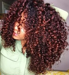 Big hair with wurls of curls.....