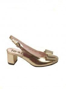 Gold Sling Back Footprint, Wedding Shoes, Kitten Heels, Street Style, Silver, Gold, Accessories, Beautiful, Dresses