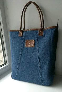 Found: A Simple Denim Bag Made for Minimalists Denim Tote Bags, Denim Handbags, Denim Purse, Denim Jeans, Blue Jean Purses, Buy Bags, Linen Bag, Recycled Denim, Quilted Bag