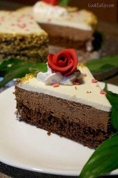 Υπέροχη τούρτα με τρεις μους σοκολάτας για τον Βαλεντίνο σας... Death By Chocolate, Cake Pops, Deserts, Food And Drink, Cooking, Cake Ideas, Cakes, Desserts, Cakepops