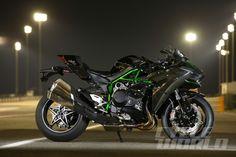 2015 Kawasaki Ninja H2 static side view