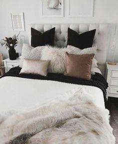 10 decoraciones perfectas para tener un cuarto Tumblr #cuartos Stylish Bedroom, Modern Bedroom, Minimalist Bedroom, White Bedrooms, Home Decor Bedroom, Living Room Decor, Diy Bedroom, Bedroom Furniture, Bedroom Apartment