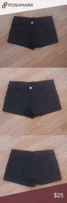 "Leather Shorts Vegan leather shorts in black. Waist 30"" Leg opening 11"" Excellent condition! Forever 21 XX1 Shorts"