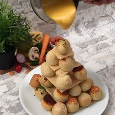 Baking Recipes, Dessert Recipes, Logo Food, Arabic Food, Food For A Crowd, Antipasto, Food Illustrations, Food Cravings, Food Design