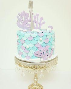 Mermaid cake birthday party More