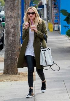 2014 > GRABBING COFFEE IN WEST HOLLYWOOD