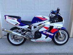 Honda - Right Side Womens Motorcycle Helmets, Retro Motorcycle, Motorcycle News, Motorcycle Girls, Honda Sport Bikes, Honda Motorcycles, Vintage Motorcycles, Honda Fireblade, Ducati Monster Custom