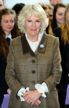Camilla Parker Bowles Photos - Camilla, Duchess of Cornwall during an official visit to St Wilfrid's Hospice on March 2014 in Eastbourne, England. Camilla Parker Bowles, Princess Kate, Princess Charlotte, Camilla Duchess Of Cornwall, Lady In Waiting, Prince Phillip, Royal Engagement, Prince Of Wales, East Sussex