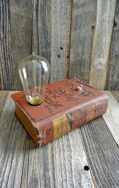 Antique Books Repurposed as Elegant Jewelry Boxes and Vintage Lamps - My Modern Met Diy Upcycled Art, Repurposed, Upcycled Furniture Before And After, Book Lamp, Rustic Lamps, Industrial Lamps, Bedroom Lamps, Unique Lamps, Vintage Lamps