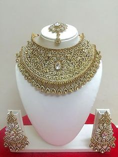 Indian Bollywood Style Fashion Gold Plated Bridal Jewelry Necklace Set - March 02 2019 at Indian Bridal Jewelry Sets, Indian Jewelry, Wedding Jewelry, Engagement Jewellery, Bridal Jewellery, Jewellery Box, Bridesmaid Jewelry, Indian Bollywood, Bollywood Fashion