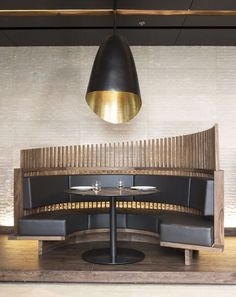 black and wooden booth for a restaurant HBA/Hirsch Bedner Associates architecture, interior design Round booth seating wood Banquette Seating Restaurant, Cafe Seating, Corner Seating, Floor Seating, Lounge Seating, Kitchen Seating, Kitchen Booths, Banquet Seating, Architecture Restaurant