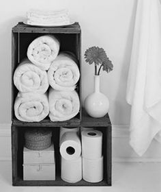 Oude kistjes voor een natuurlijke look in de badkamer