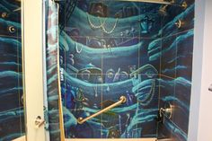 Taking a shower under the sea a shower like ariel's grotto Ariels Grotto, Disney Themed Rooms, Disney Bathroom, Old Bathrooms, Disney Home Decor, Take A Shower, Little Girl Rooms, Disney Dream, Dream Rooms