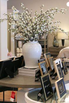 Home accessories from Alice Lane Home vase Alice Lane Home: Moody Monday Large White Vase, White Vases, Large Vases, Home Living Room, Living Room Decor, Alice Lane Home, Vase Arrangements, Minimalist Living, Vases Decor