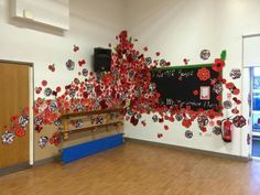 World War 2 Display, Remembrance Day Poppy, Armistice Day, Anzac Day, House On A Hill, Tower Of London, Classroom Displays, Veterans Day, Art Club