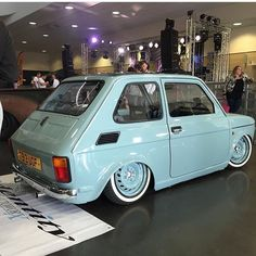 Custom Fiat 126P Fiat 126, Retro Cars, Vintage Cars, Old Hot Rods, Fiat Cars, Mustang Cars, Top Cars, Car Wheels, Small Cars
