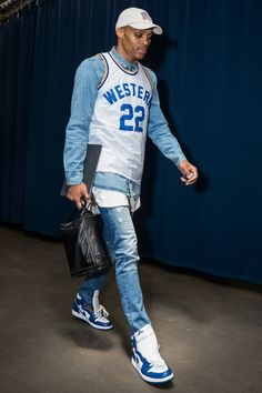 While Russell Westbrook knows how to make an entrance on a red carpet, it's his pregame fits that are really designed to get noticed. Nba Fashion, Sport Fashion, Mens Fashion, Fashion Outfits, Westbrook Fashion, Jersey Outfit, Russell Westbrook, Look Cool, Trendy Outfits