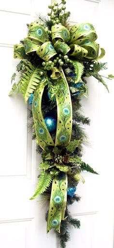 Love the ribbon! Christmas Swag by LisasLaurels on Etsy