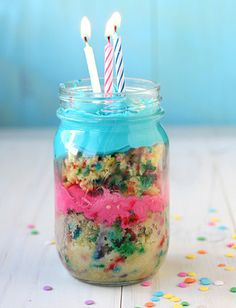 24 Party Dessert Recipes in a Jar (Cakes, cupcakes, brownies, and more)