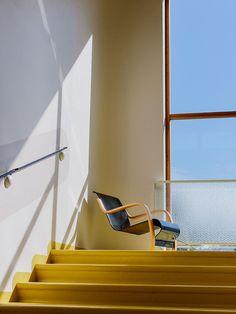 architecture - Alvar Aalto and the colors of the Paimio Sanatorium Detail Architecture, Bauhaus Architecture, Interior Architecture, Chinese Architecture, Futuristic Architecture, Alvar Aalto, Interior Bauhaus, Chair Design, Furniture Design