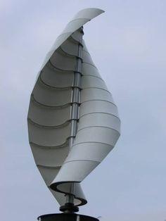 Die wichtigsten Fakten zu vertikalen Windkraftanlagen: Funktionsweise, Vorteile und Nachteile, Preise & Kosten, Hersteller & Anbieter.