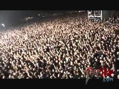 Amon Amarth - Valhall Awaits Me (live)