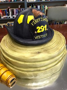 Fireman retirement cake Source by elisabethblock Firefighter Cupcakes, Firefighter Birthday Cakes, Fireman Birthday, Fireman Party, Firefighter Wedding, My Birthday Cake, Fireman Cupcakes, Retirement Celebration, Retirement Cakes