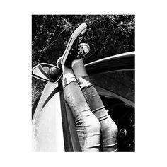 #sommer#sonne#sonnenschein#ichkannnichtalleinesein#hochamhimmel#bluesky#volkswagen#allstar#schucks#convers#inschwarz#schwarzweiss#diescheibeunten#einschlafen#wärme#hastdudiefüssegesehen#selfi#shoes#rückspiegel#chillen#picoftheday#bluejeans#lieblingsjeans#ichlove by chibi_jo