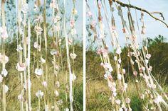 DIY paper flower wedding backdrop on gent & beauty!  http://gentandbeauty.com/wedding-backdrop-diy/