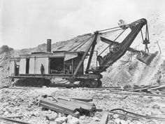 StateLibQld_2_292867_Steam_shovel,_Mt._Morgan,_1903.jpg (1000×752)